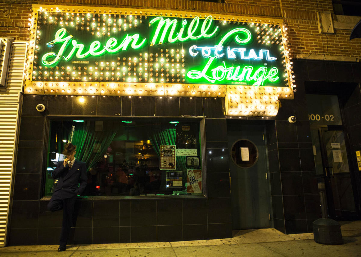 Green Mill Cocktail Lounge 3